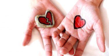 彼女からの愛情が感じられない…3つのサインと心を取り戻すポイント!