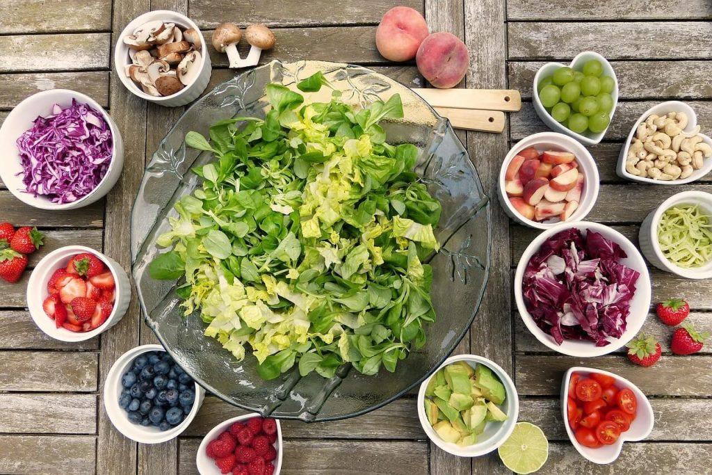 サラダとフルーツ