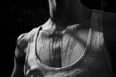 汗の臭いが…くさい汗を出さないするための3つの方法